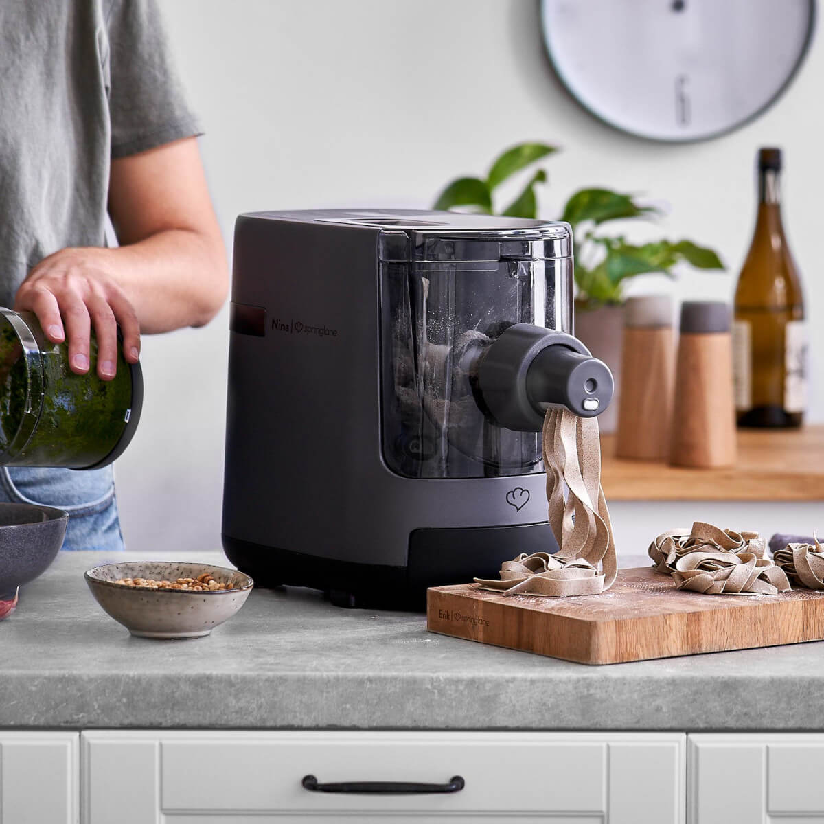 Machine à pâtes Nina Springlane présentation
