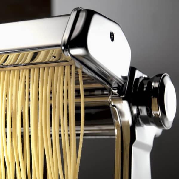 Machine à pâtes Marcato Atlas 150 avec pâte